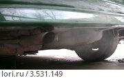Купить «Выхлопные газы из автомобильной трубы», видеоролик № 3531149, снято 28 декабря 2008 г. (c) Losevsky Pavel / Фотобанк Лори