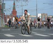 Купить «Москва, 20 мая. Велопарад Let's bike it!», эксклюзивное фото № 3535545, снято 20 мая 2012 г. (c) lana1501 / Фотобанк Лори