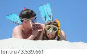 Купить «Мужчина и женщина в плавательных масках и ластах», видеоролик № 3539661, снято 16 июня 2009 г. (c) Losevsky Pavel / Фотобанк Лори
