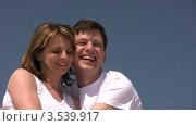 Купить «Радостные мужчина и женщина», видеоролик № 3539917, снято 29 июня 2009 г. (c) Losevsky Pavel / Фотобанк Лори