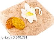 Мыло со злаками, мочалка и полотенце. Стоковое фото, фотограф Инна Шевелёва / Фотобанк Лори