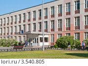 Здание школы (2012 год). Стоковое фото, фотограф Сергей Родин / Фотобанк Лори