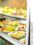 Купить «Шведский стол в кафе», фото № 3542577, снято 6 апреля 2012 г. (c) CandyBox Images / Фотобанк Лори