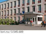 Здание школы (2012 год). Редакционное фото, фотограф Сергей Родин / Фотобанк Лори