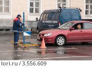 Купить «Процедура технического осмотра», эксклюзивное фото № 3556609, снято 19 мая 2012 г. (c) Вячеслав Палес / Фотобанк Лори
