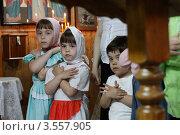 Купить «Воскресная литургия в храме», эксклюзивное фото № 3557905, снято 27 мая 2012 г. (c) Дмитрий Неумоин / Фотобанк Лори