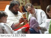 Купить «Воскресная литургия в храме», эксклюзивное фото № 3557909, снято 27 мая 2012 г. (c) Дмитрий Неумоин / Фотобанк Лори