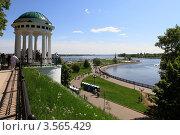 Купить «Ярославль, вид на набережную города», эксклюзивное фото № 3565429, снято 26 мая 2012 г. (c) Дмитрий Неумоин / Фотобанк Лори