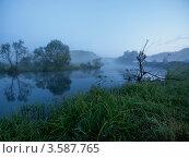 Купить «Рассвет на реке Воргол. Липецкая область», фото № 3587765, снято 3 июня 2012 г. (c) Liseykina / Фотобанк Лори