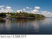 Купить «Речной порт. Сарапул, Удмуртская Республика», эксклюзивное фото № 3588517, снято 3 августа 2009 г. (c) Кучкаев Марат / Фотобанк Лори