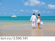 Двое влюбленных, море, яхта. Стоковое фото, фотограф Евгений Ковылин / Фотобанк Лори