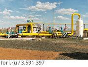 Купить «Газо-компрессорная станция», фото № 3591397, снято 13 мая 2012 г. (c) Александр Малышев / Фотобанк Лори