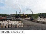 Купить «Асфальтовый завод в Петропавловске-Камчатском», фото № 3596213, снято 17 июня 2012 г. (c) А. А. Пирагис / Фотобанк Лори