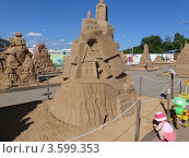 Песочные фигуры (2012 год). Редакционное фото, фотограф Анастасия Баранова / Фотобанк Лори