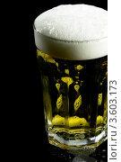 Купить «Стакан пива с пеной», фото № 3603173, снято 10 мая 2009 г. (c) Francesco Perre / Фотобанк Лори