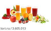 Купить «Различные соки и фрукты на белом фоне», фото № 3605013, снято 14 августа 2010 г. (c) Наталия Евмененко / Фотобанк Лори