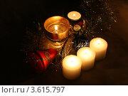 Купить «Новогодние свечи и игрушки», фото № 3615797, снято 28 ноября 2009 г. (c) Александр Скопинцев / Фотобанк Лори