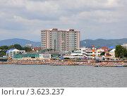 Купить «Адлер, центральный пляж в пик сезона», эксклюзивное фото № 3623237, снято 9 сентября 2011 г. (c) Анна Мартынова / Фотобанк Лори