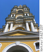 Купить «Колокольня в Новоспасском монастыре (ракурс). Москва», эксклюзивное фото № 3627237, снято 23 июня 2012 г. (c) lana1501 / Фотобанк Лори