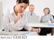 Купить «Деловая женщина работает с документами», фото № 3630821, снято 12 декабря 2011 г. (c) CandyBox Images / Фотобанк Лори