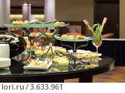 Купить «Стол с холодными закусками на фуршете», фото № 3633961, снято 16 декабря 2010 г. (c) Losevsky Pavel / Фотобанк Лори