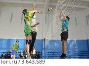 Мяч в игре (2012 год). Редакционное фото, фотограф Андрей Дюжечкин / Фотобанк Лори