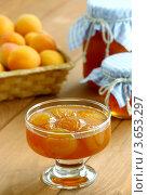 Купить «Варенье из абрикосов», фото № 3653297, снято 21 июня 2012 г. (c) Надежда Мишкова / Фотобанк Лори