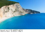 Купить «Красивый летний белый Порто Кацики пляж на Ионическом море (Лефкада, Греция)», фото № 3657421, снято 26 июня 2012 г. (c) Юрий Брыкайло / Фотобанк Лори