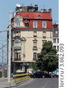 Купить «Белград. Старинное здание на улице», фото № 3662093, снято 17 июня 2012 г. (c) Ярослав Каминский / Фотобанк Лори