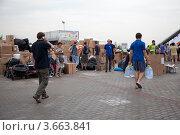 Купить «Пункт сбора гуманитарной помощи для пострадавших от наводнения на Кубани», эксклюзивное фото № 3663841, снято 11 июля 2012 г. (c) Наталья Волкова / Фотобанк Лори