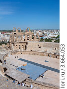 Купить «Центральная арена античного колизея в городе Эль-Джем, Тунис», фото № 3664053, снято 2 мая 2012 г. (c) Кекяляйнен Андрей / Фотобанк Лори