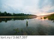 Вечерний пейзаж с закатом солнца на реке Оке. Стоковое фото, фотограф Игорь Низов / Фотобанк Лори