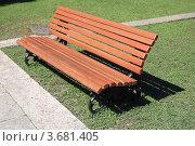 Купить «Скамейка в Пицунде», эксклюзивное фото № 3681405, снято 11 июля 2012 г. (c) Игорь Веснинов / Фотобанк Лори