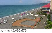 Купить «Галечный пляж на морском курорте», видеоролик № 3686673, снято 6 апреля 2010 г. (c) Losevsky Pavel / Фотобанк Лори