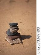 Пирамидка из камней. Стоковое фото, фотограф Игорь Сковородников / Фотобанк Лори