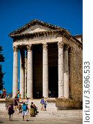 Античный храм императора Августа в Пуле, Хорватия (2009 год). Редакционное фото, фотограф Артур Даминов / Фотобанк Лори
