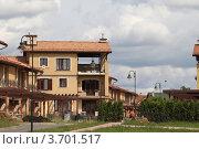 Купить «Дома в элитном посёлке на Рублёвке», эксклюзивное фото № 3701517, снято 22 июля 2012 г. (c) Дмитрий Неумоин / Фотобанк Лори