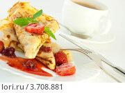Блинчики и кофе на завтрак. Стоковое фото, фотограф Лариса Кривошапка / Фотобанк Лори