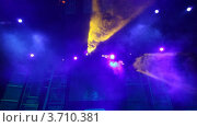 Купить «Цветные прожектора в ночном клубе», видеоролик № 3710381, снято 10 октября 2010 г. (c) Losevsky Pavel / Фотобанк Лори