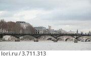Купить «Мост Pont des Arts, вид с Сены, Париж, Франция», видеоролик № 3711313, снято 11 октября 2010 г. (c) Losevsky Pavel / Фотобанк Лори