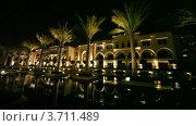 Купить «Фонтаны и пальмы перед зданием Парижской Галереи ночью в Дубае», видеоролик № 3711489, снято 1 ноября 2010 г. (c) Losevsky Pavel / Фотобанк Лори