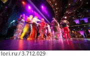 Купить «Танцующие пенсионеры на сцене», видеоролик № 3712029, снято 29 августа 2010 г. (c) Losevsky Pavel / Фотобанк Лори