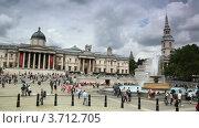 Купить «Фонтан у Национальной галереи на Трафальгарской площади в Лондоне», видеоролик № 3712705, снято 9 декабря 2010 г. (c) Losevsky Pavel / Фотобанк Лори