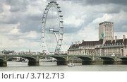 Вестминстерский мост через Темзу и колесо обозрения London eye, Лондон (2010 год). Стоковое видео, видеограф Losevsky Pavel / Фотобанк Лори