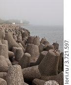 Купить «Набережная Балтийска в тумане», фото № 3721597, снято 4 июля 2012 г. (c) Светлана Овчинникова / Фотобанк Лори