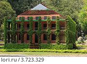Купить «Домик в парке в городе Хошимин (Сайгон) во Вьетнаме», фото № 3723329, снято 20 февраля 2011 г. (c) Раппопорт Михаил / Фотобанк Лори