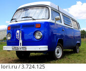 Купить «Микроавтобус Фольксваген», фото № 3724125, снято 1 июля 2012 г. (c) АЛЕКСАНДР МИХЕИЧЕВ / Фотобанк Лори