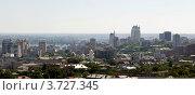 Купить «Панорама центральной части города Днепропетровска», фото № 3727345, снято 25 июля 2012 г. (c) V.Ivantsov / Фотобанк Лори