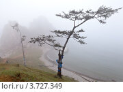 Купить «Байкал. Лето. Туман на острове Ольхон», фото № 3727349, снято 1 августа 2012 г. (c) Виктория Катьянова / Фотобанк Лори