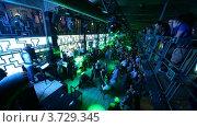 Купить «Ночной клуб(Таймлапс)», видеоролик № 3729345, снято 22 декабря 2010 г. (c) Losevsky Pavel / Фотобанк Лори